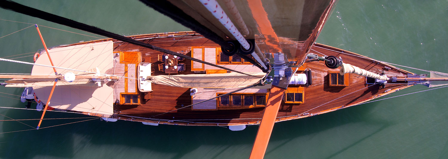 S/Y Aventure deck view from above